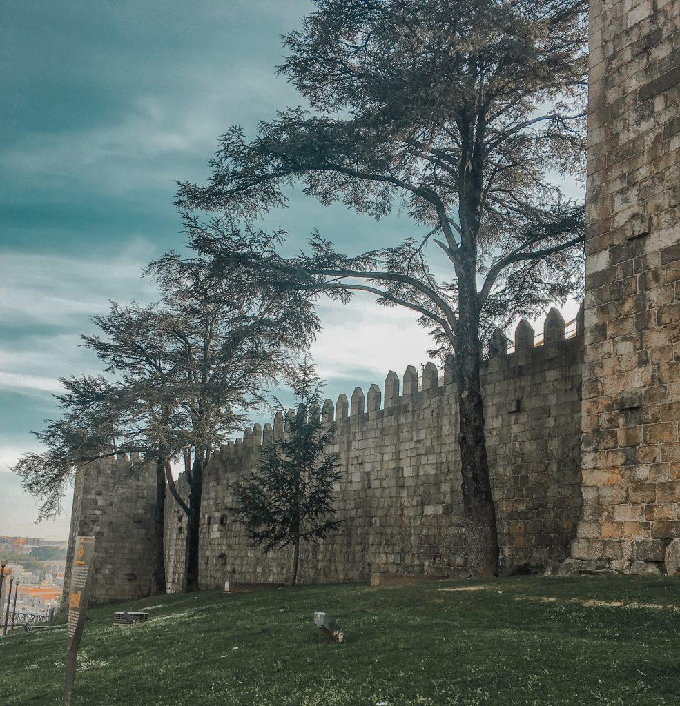 muralha fernandina walls