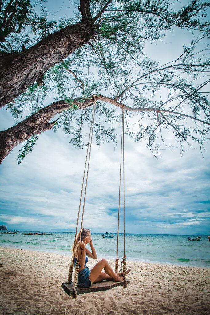 swing on sairee beach