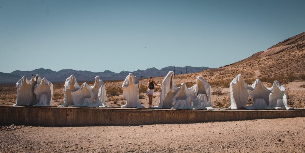 the last supper statues